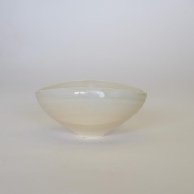 中里花子 エッグボウル ホワイト 【楕円】【小鉢】