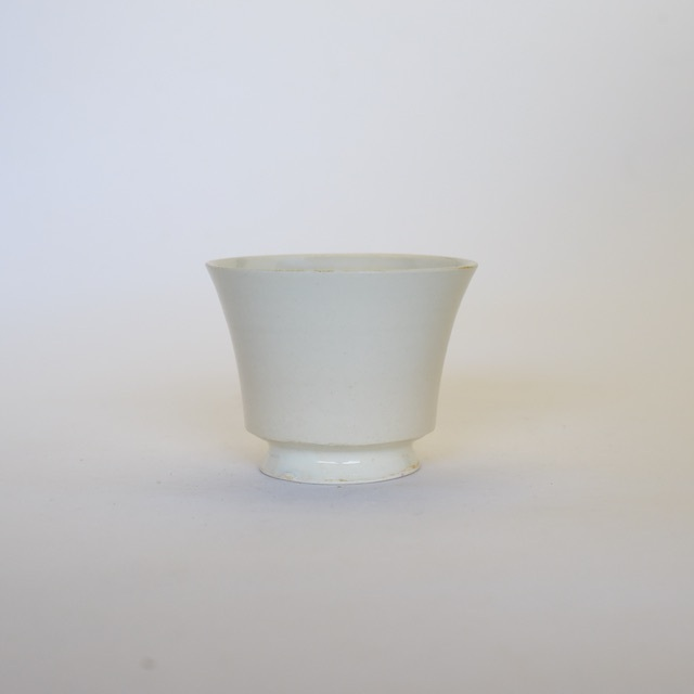 中里花子 クリーム脚付カップ【フリーカップ】【小鉢】