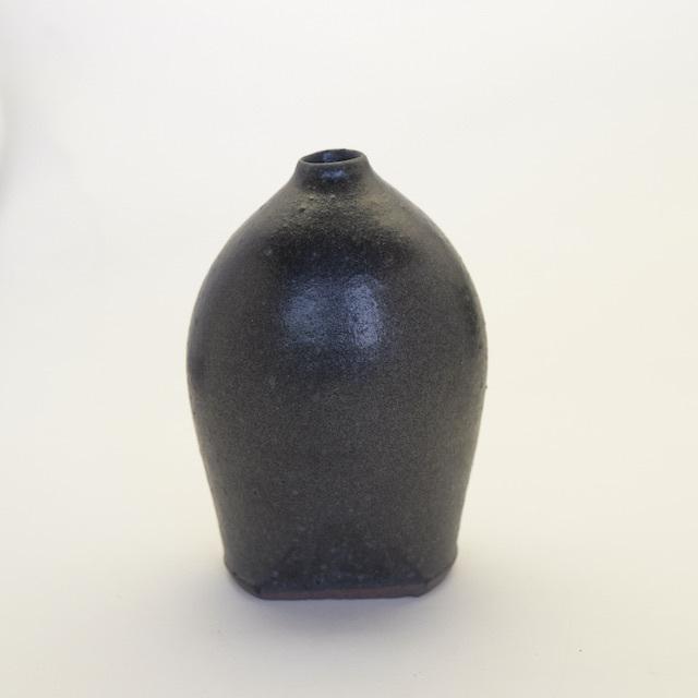 中里花子 黒釉花入れ 【花瓶】