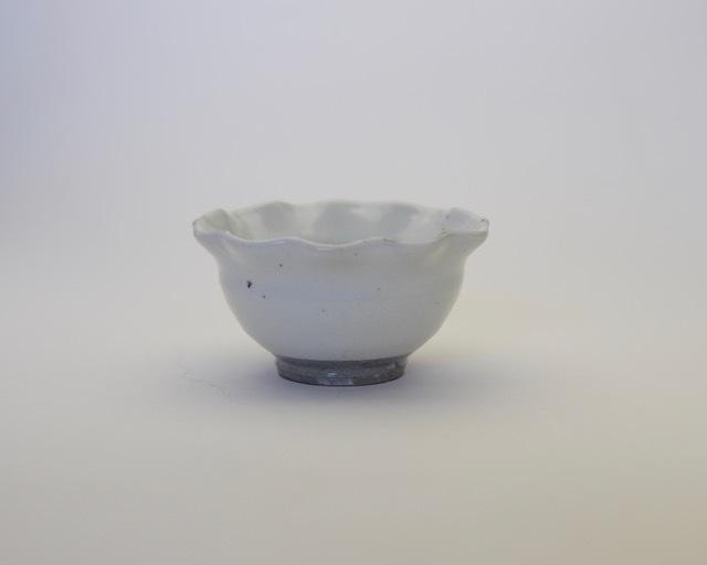 井銅心平 粉引輪花小鉢
