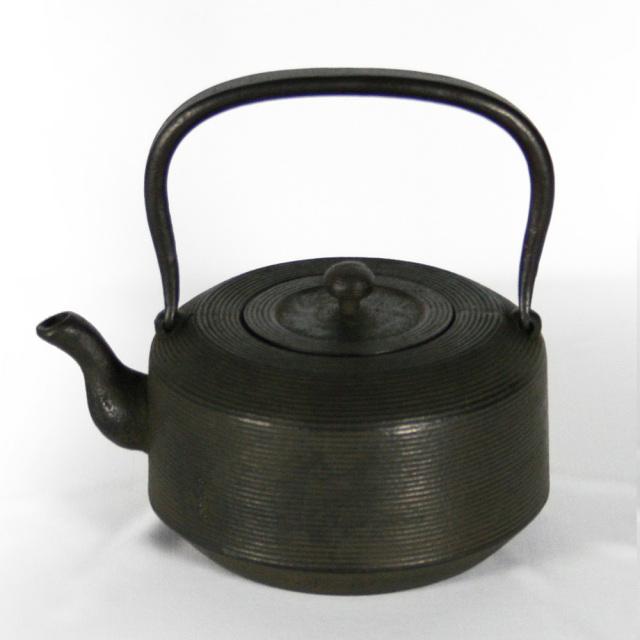 南部鉄器 南部鉄瓶 IH対応 / 直火対応 『肩平糸目』 1.2L やかん ケトル