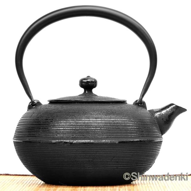 南部鉄器 鉄瓶 糸目(黒)
