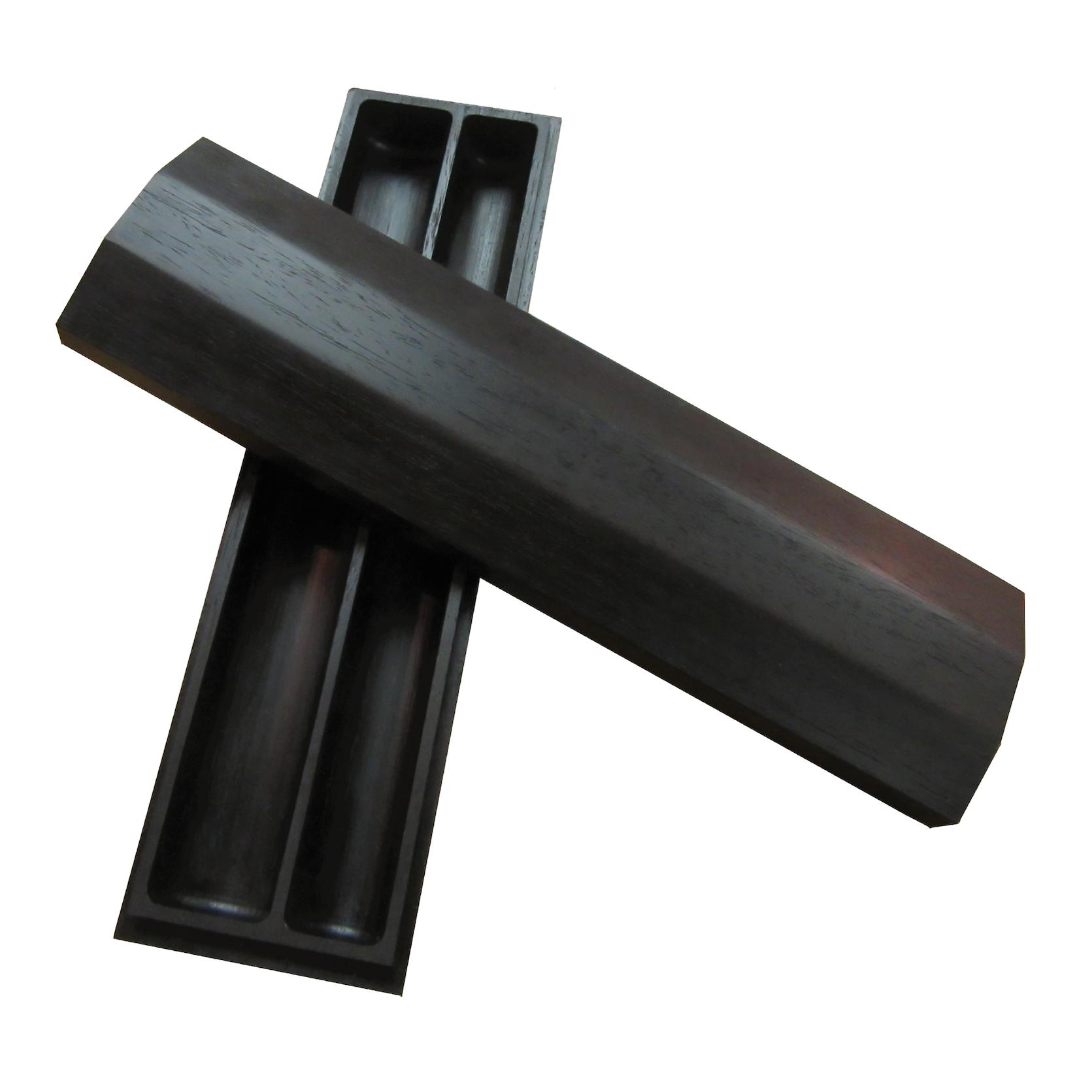 篳篥管箱(紫檀一刀彫り)