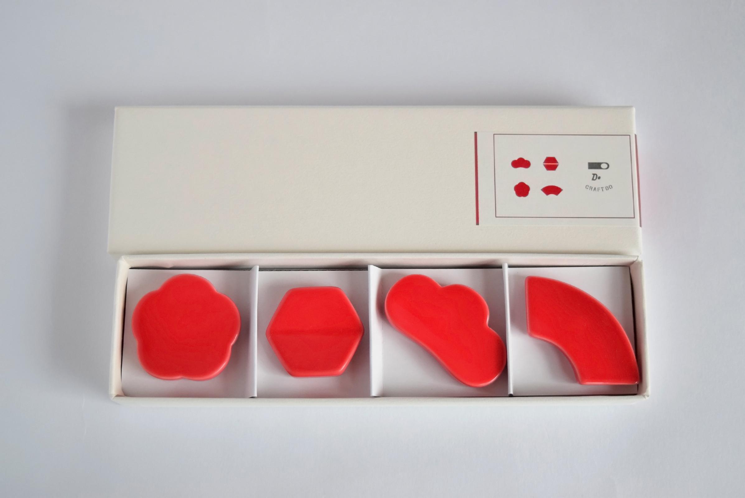 クラスカ[CLASKA] ドーの箸置き 赤
