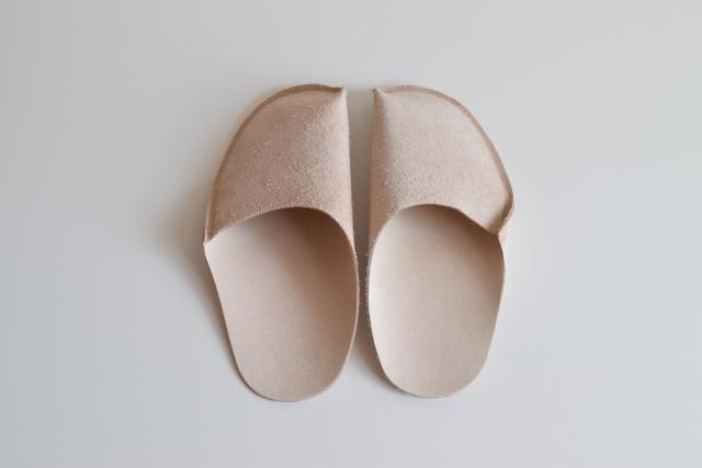 [toe to knee] スリッパ