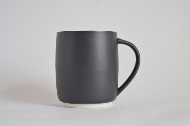 すすむマグカップ 大(黒)
