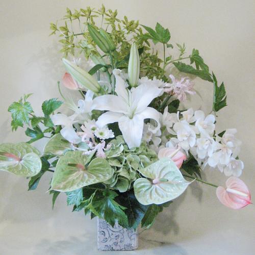 ユリとアンスのお供え花