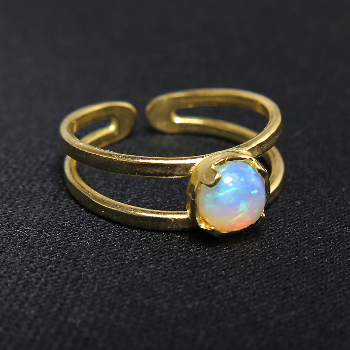 エチオピアンオパール<10月誕生石>・天然石指輪リング(カボションラウンド・5mm)(真鍮ブラス・ゴールドカラー)(1個)