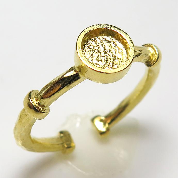 ブラス リング 指輪空枠 ハンマード カボション ラウンド 6mm(真鍮・ゴールドカラー)(3個)