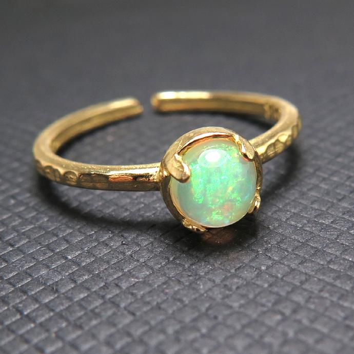 天然石リング 指輪 エチオピアンオパール ハンマードリング(4本爪 カボション ラウンド 5mm)(真鍮ブラス・ゴールドカラー)