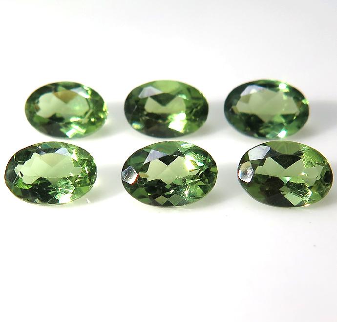 グリーンアパタイト ルース 天然石 (マダガスカル産・非加熱)オーバル 6×4mm ファセットカット(1個)