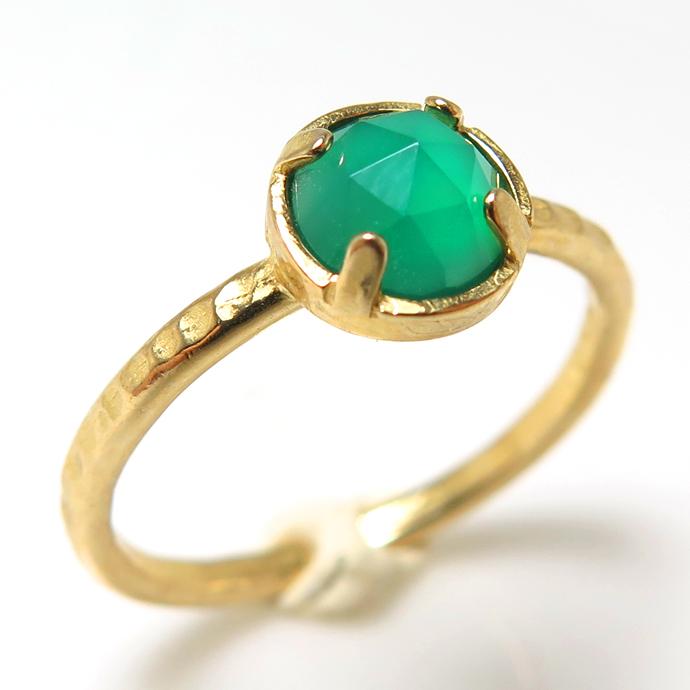 天然石リング 指輪 グリーンオニキス ローズカット ハンマードリング(4本爪 カボション ラウンド 6mm)(真鍮ブラス・ゴールドカラー)