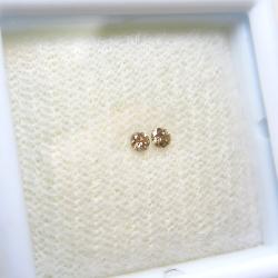 シャンパンダイヤモンド ルース 天然石【VVS(AAA)】 C2 (アフリカ産・無処理)ラウンド【2mm】ダイヤモンドカット(1個)