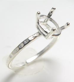 リング 空枠 石枠 指輪 ハンマード オーバル 縦 8×6mm 4本爪(真鍮ブラス・シルバーカラー)2個