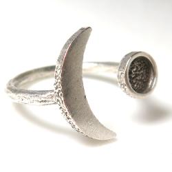 ムーン三日月 惑星 リング 指輪 5mm空枠(カボション用)銀古美 真鍮ブラス・アンティークシルバー(1個)