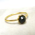 14kgfリング(指輪)天然石ブラックオニキス5mm(ローズカット・ラウンド)(サイズ目安:10号~11号)「ゴールドフィルド」(1個)