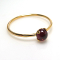 14kgfリング(指輪)天然石ガーネット<1月誕生石>4mm(4本爪カボション・ラウンド)(サイズ目安:7号)「ゴールドフィルド」(1個)