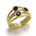 ブラックスピネル・天然石指輪 ハンマード リング(ラウンド3mm×3)(真鍮ブラス・ゴールドカラー)(1個)