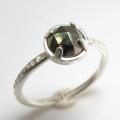 天然石リング 指輪 パイライト ローズカット ハンマードリング(4本爪 カボション ラウンド 5mm)(真鍮ブラス・シルバーカラー)