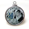 アポロ11号 APOLLO 月面着陸 50周年記念 コインペンダント・アメリカ クオーター(25セント)バチカン付「シルバーSV925」(【E】1個)