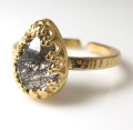 ブラックルチルクオーツ リング 指輪 天然石(カボション ローズカット ペアシェイプ・10×7mm)(真鍮ブラス・ゴールドカラー)