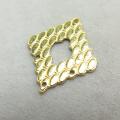 真鍮アクセサリーパーツ コンポーネント 4ホール ブラスパーツ ダイヤ(真鍮・ゴールドカラー)(3個)