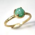 天然石リング 指輪  エメラルド ミルキーグリーンリング ハンマード(4本爪 カボション ラウンド 5mm)(真鍮ブラス・ゴールドカラー)
