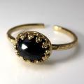 天然石指輪  ブラックオニキス ローズカット ハンマードリング(カボションオーバル横8×6mm)(真鍮ブラス・ゴールドカラー)(1個)