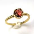 天然石リング 指輪 ガーネット(モザンビーク) ローズカット ハンマードリング(4本爪 カボション ラウンド 5mm)(真鍮ブラス・ゴールドカラー)