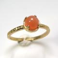 天然石リング 指輪 ピーチムーンストーン ハンマードリング(4本爪 カボション ラウンド 5mm)(真鍮ブラス・ゴールドカラー)