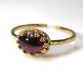 天然石指輪  ガーネット<1月誕生石> ハンマードリング(カボションオーバル横8×6mm)(真鍮ブラス・ゴールドカラー)(1個)
