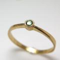 天然石リング 指輪 ツァボライト(グリーンガーネット)(タンザニア産)ラウンド 2.2mm(真鍮ブラス・ゴールドカラー)(1個)