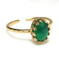 天然石グリーンオニキス・ローズカット指輪ハンマードリング(カボションオーバル・8×6mm)(真鍮ブラス・ゴールドカラー)(1個)