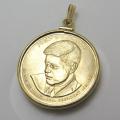 大統領1ドル貨(第35代・ジョン・F・ケネディ大統領)・コインペンダント・バチカン付「14kgf・ゴールドフィルド」(1個)