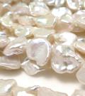ケシパール 花びら 淡水真珠(ホワイト系)バロック  8~11mm×7~9mm×3~5mm(1連)