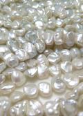 バロックパール ケシ 花びら 淡水真珠(ホワイト系) 8~9×7~8×4~7mm(1連)