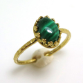 天然石マラカイト・指輪ハンマードリング(カボションオーバル・8×6mm)(真鍮ブラス・ゴールドカラー)(1個)