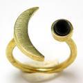 三日月 ムーン リング 惑星  指輪 天然石ブラックオニキス 4mm 真鍮ブラス・ゴールドカラー(1個)