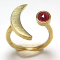 三日月 ムーン リング 惑星  指輪 天然石ルビー ローズカット 4mm 真鍮ブラス・ゴールドカラー(1個)