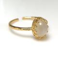 天然石ムーンストーン<6月誕生石>指輪ハンマードリング(カボションオーバル・8×6mm)(真鍮ブラス・ゴールドカラー)(1個)