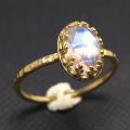 天然石指輪  レインボームーンストーン・ローズカット<6月誕生石>(カボションオーバル8×6mm)真鍮ブラス・ゴールドカラー