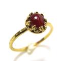 ルビー 指輪 リング 天然石 鉛ガラス充填 <7月誕生石>ハンマード ラウンド6mm 真鍮ブラス・ゴールドカラー/1個