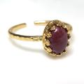 天然石ルビー<7月誕生石>インド・指輪ハンマードリング(カボションオーバル・8×6mm)(真鍮ブラス・ゴールドカラー)(1個)