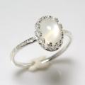 天然石ムーンストーン<6月誕生石>指輪ハンマードリング(カボションオーバル・8×6mm)(真鍮ブラス・シルバーカラー)(1個)