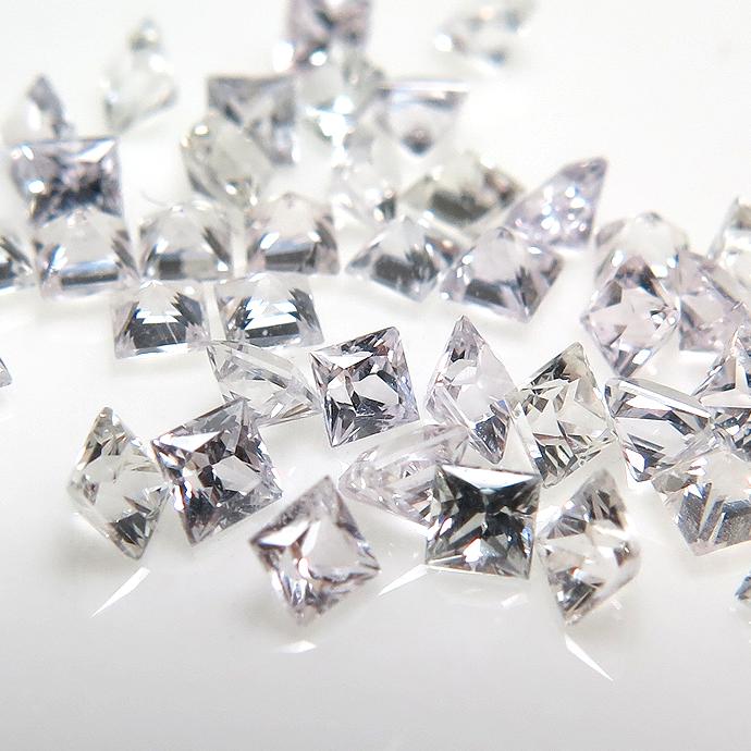 天然石ルース(裸石)・ホワイトサファイア(スリランカ産・非加熱)/スクエア【2mm】ファセットカット(3個)