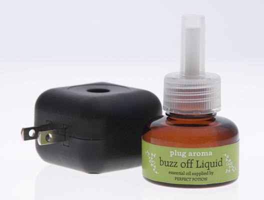 プラグアロマ(plug aroma) buzz off セット【精油・天然アロマ・芳香・簡単・コンセント・虫・防ぐ】
