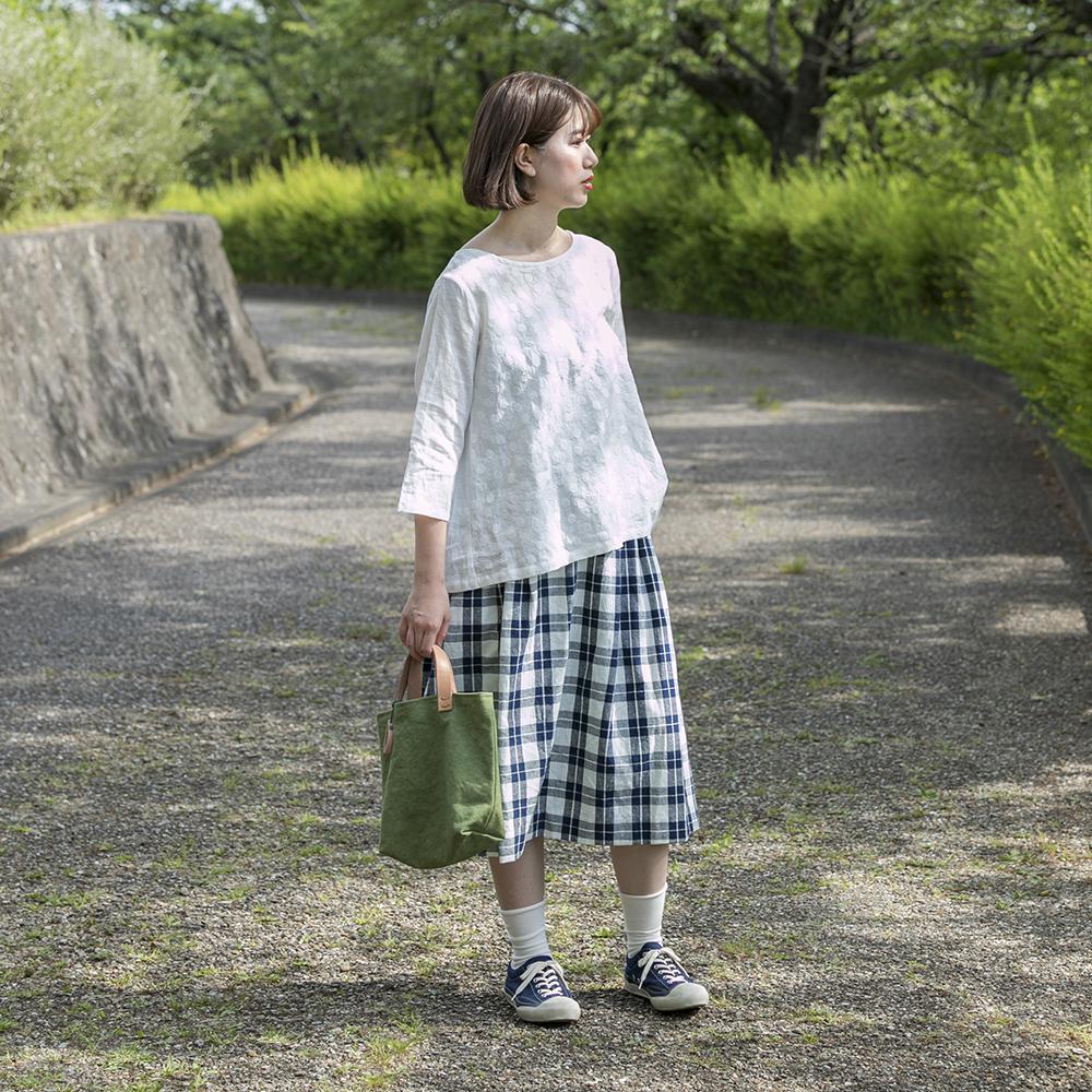 刺繍うしろギャザーブラウス [暮らしの衣 あじさい|西友里さん(石川県)] しろ・きなり