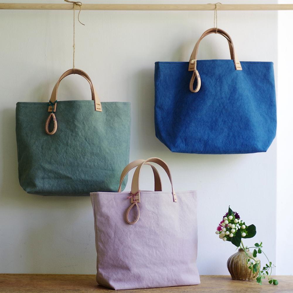 玉ねぎで染めた帆布トートバッグ (Mサイズ) <やなぎそめいろ/せいらんいろ/さくらいろ> [れんげの家(長野県)] 植物染め 手作り