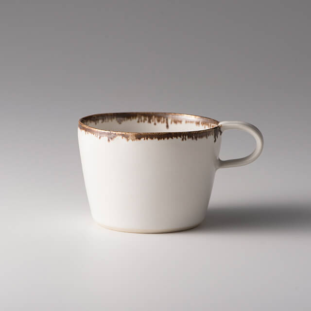 富士山麓の作家が贈る「白いマグカップ(ショートS)」