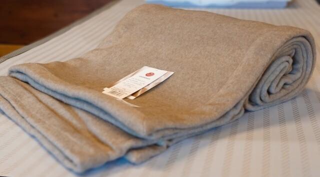 西川 カシミヤ毛布 ( 毛羽部分 )  シングル 140×200cm 日本製
